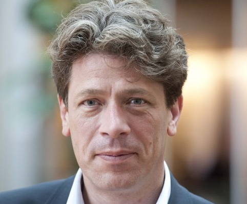 Paul Tang (PvdA): Milieugerelateerde bonus bestuur investeerders noodzakelijk om klimaatdoelstellingen te realiseren