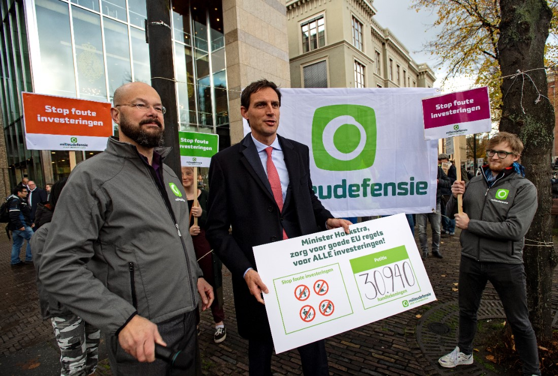 Ruim 30.000 Nederlanders vragen om regels tegen foute investeringen