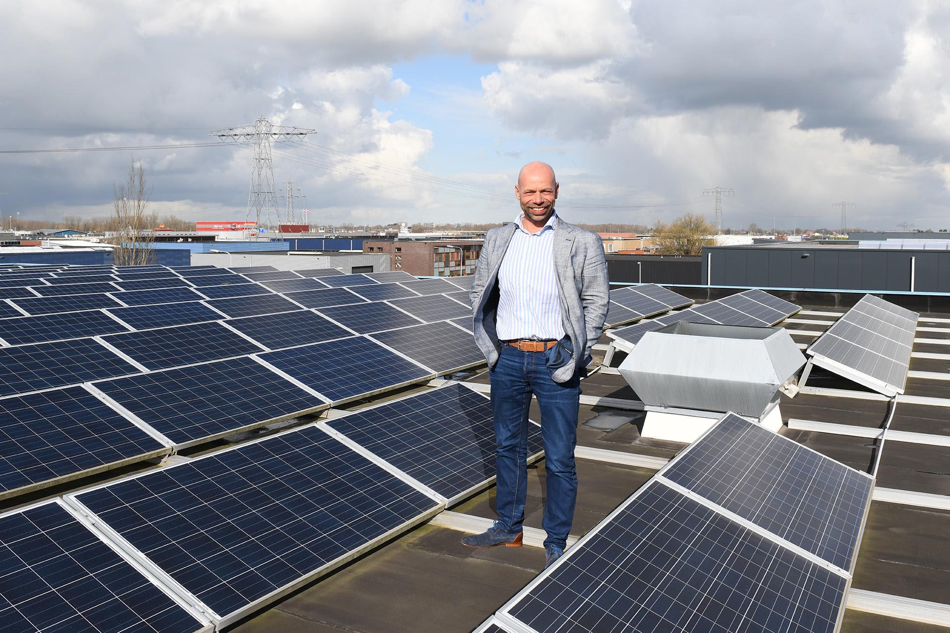 Provincie Groningen ondersteunt bedrijven met zonnepanelen op bedrijfsdaken