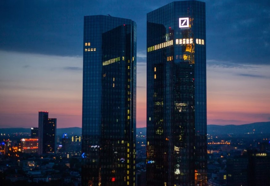 Deutsche Bank Sets Target for Sustainable Investment by 2025