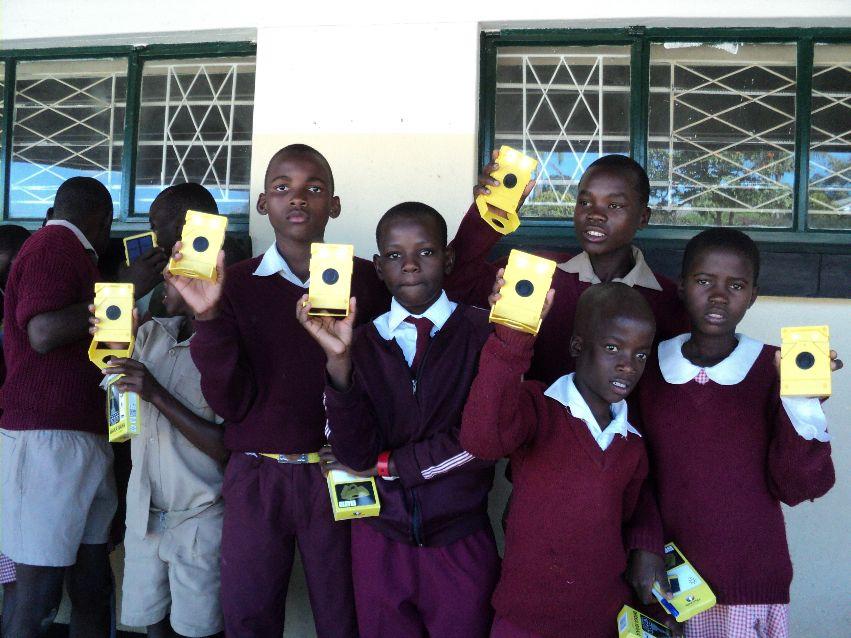 Licht voor 400 schoolkinderen in Zimbabwe