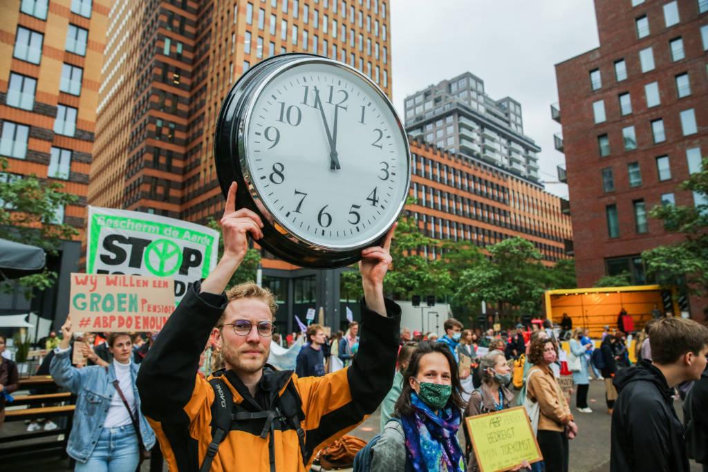 Honderden pensioendeelnemers accepteren ABP's beleid niet langer: ze eisen actie nu